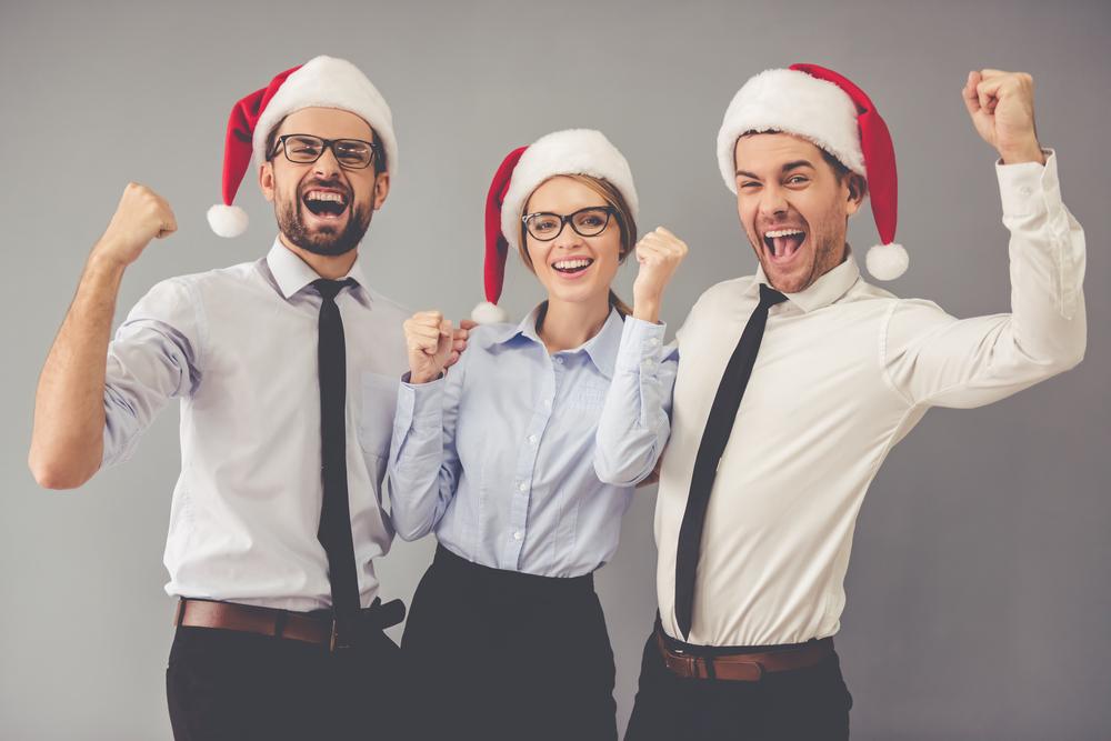 salespeople-with-christmas-hats